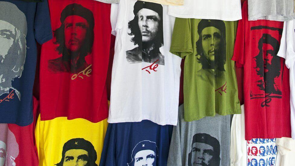 Majice sa likom revolucionara Ernesta Če Gevare su popularne širom sveta. Štampa na majicama