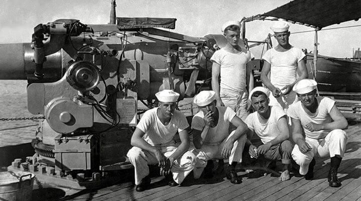 Vojnici u prvim majicama. Istorija majica