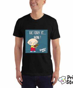 Muška crna majica sa motivima animirane serije Family Guy. Victory is mine!