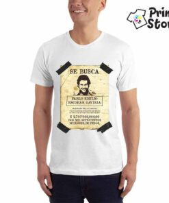 Muška bela majica sa motivom popularne serije Narcos . SE BUSCA Pablo Emilio Escobar Gaviria